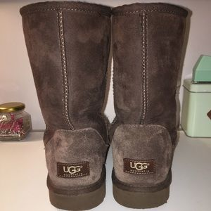 Short Brown Uggs